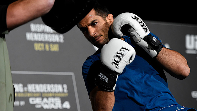 MANCHESTER, ENGLAND - OCT. 05: Gegard Mousasi of The Netherlands holds an open training session for fans and media at the Manchester Arena. (Photo by Josh Hedges/Zuffa LLC)